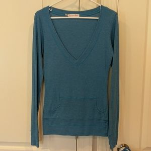 Curious Gypsy large v-neck pocket top